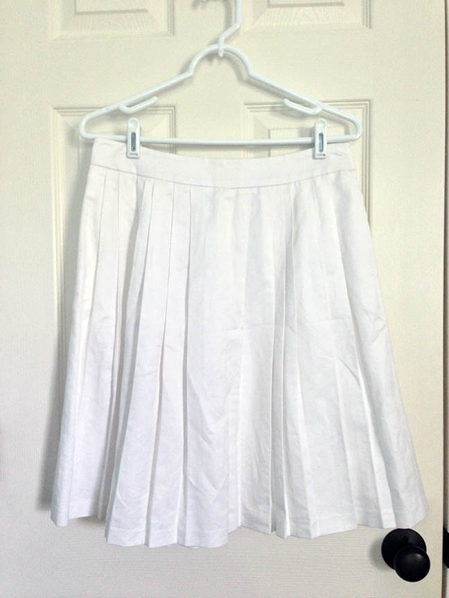 Banana Republic Pleated White Skirt - Fashion Finds on a Dime